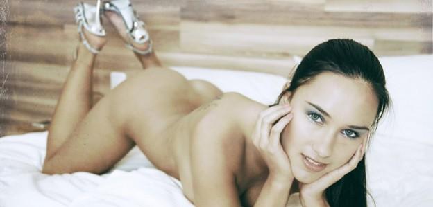 Sexy girls im bett bernstein